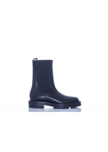 GIVENCHY SQUARED CHELSEA ANKLE BOOT IN CALF LEATHER